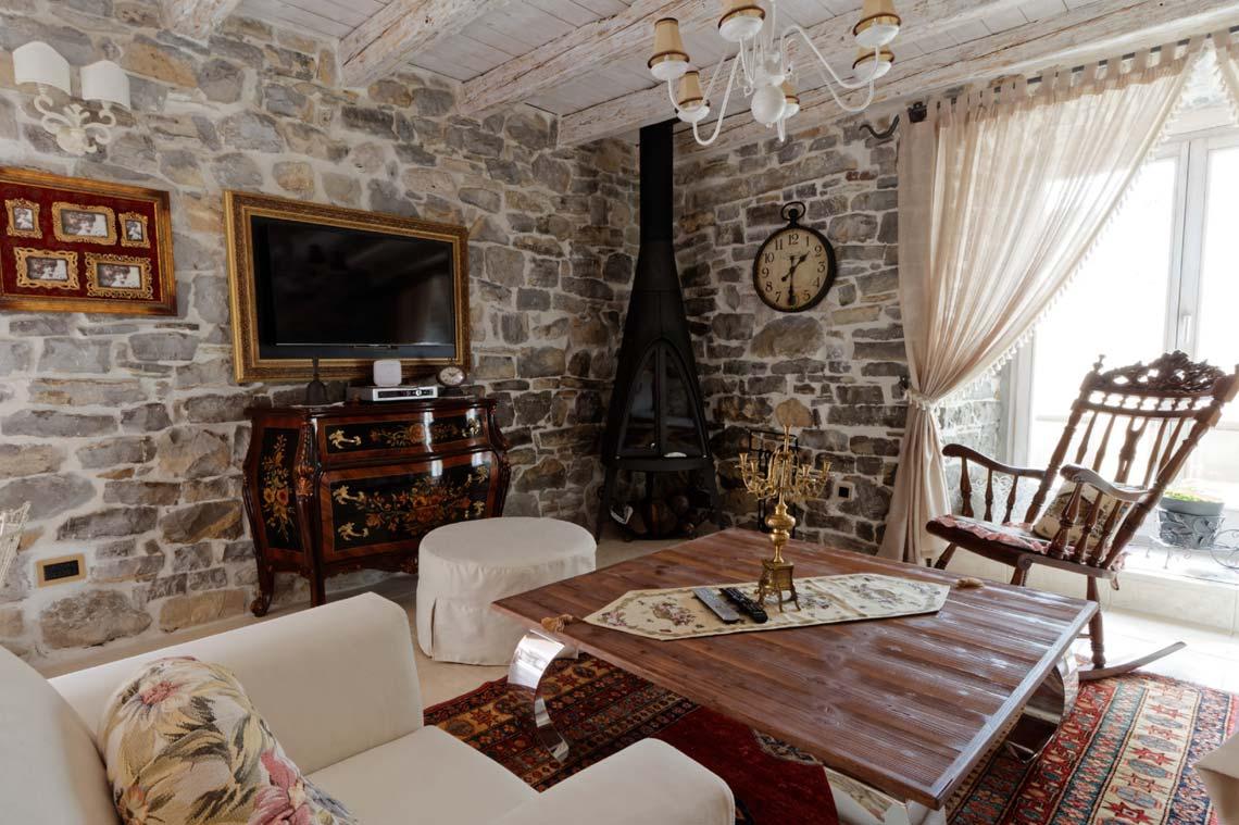 Stone-house-in-Tivat-Montenegro.jpg