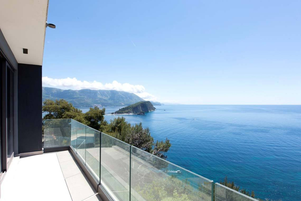 Villa-for-sale-in-Budva-Montenegro.jpg