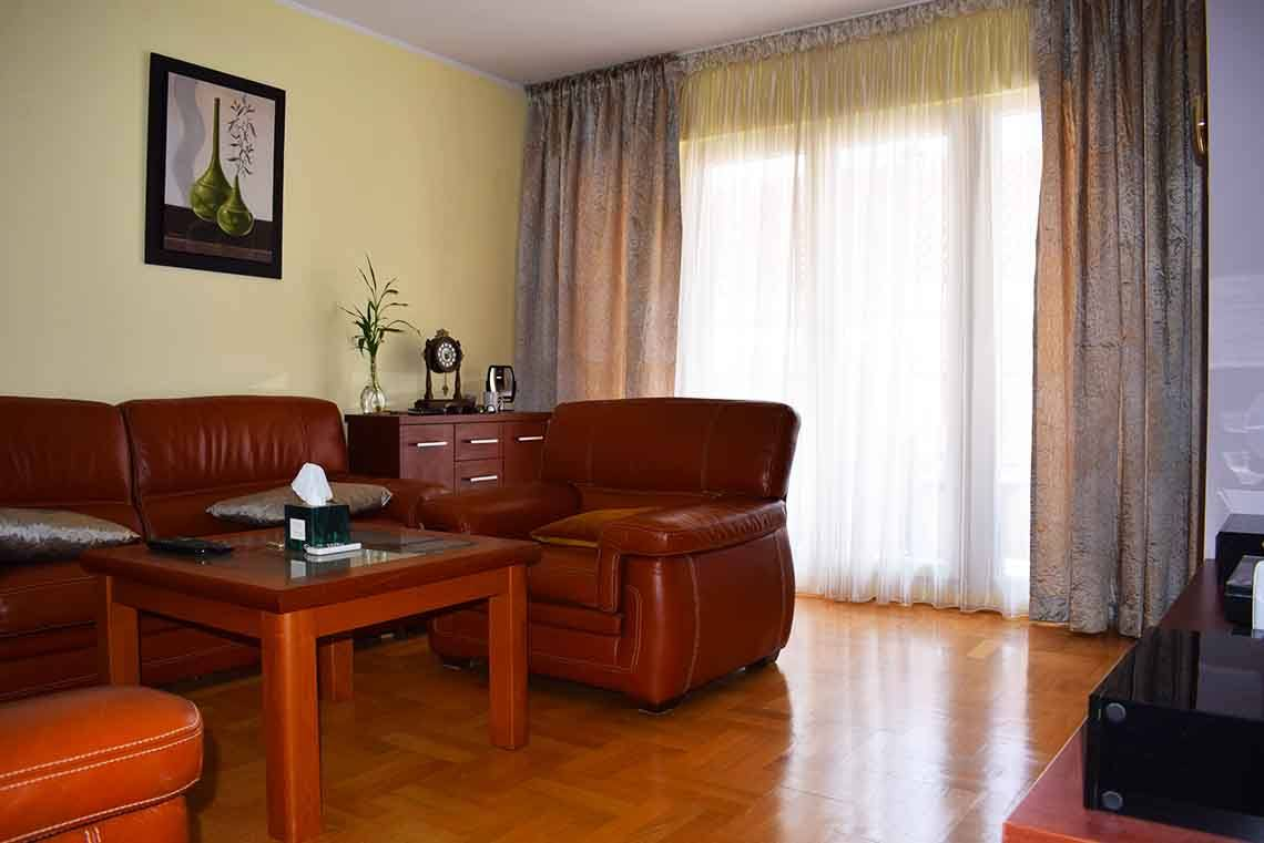 Cozy one bedroom furnished apartment in Budva for sale ...